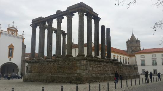 Templo Romano de Évora (Templo de Diana): 20160206_145817_large.jpg
