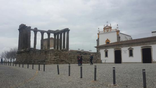 Templo Romano de Évora (Templo de Diana): 20160206_145140_large.jpg