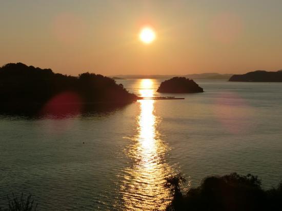 Setouchi, Japón: 海に沈む夕日