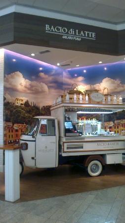 Bacio di Latte - Shopping Center 3
