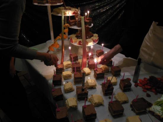 Colomiers, Prancis: cascade de dessert!!