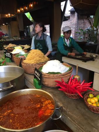 Vy's Market Restaurant & Cooking School: photo1.jpg