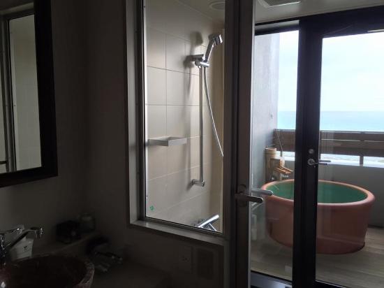 Tomigusuku, Jepang: 露天風呂付き客室の露天風呂