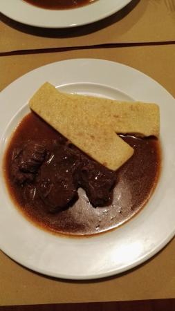 Al Piron : goulash con polenta