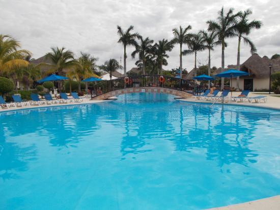 Allegro Cozumel: una delle tre piscine