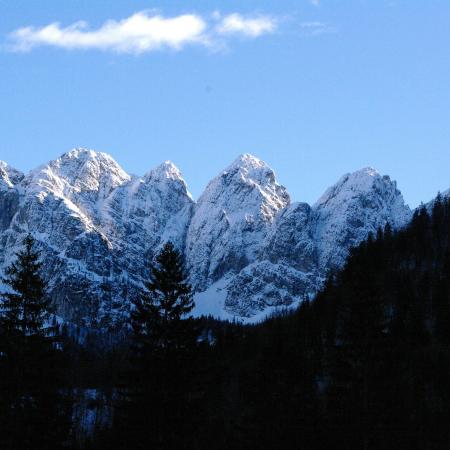 Malborghetto-Valbruna, Italia: Jof fuart e rifugio pellarini