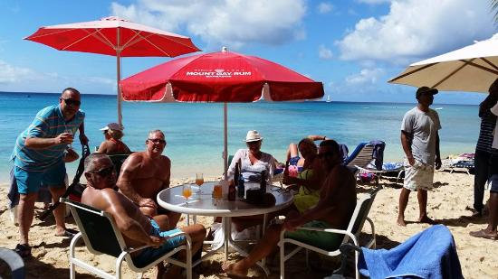 Holetown, Barbados: Seating on the beach