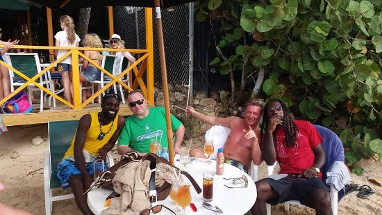 Holetown, Barbados: Great place to chill with friends