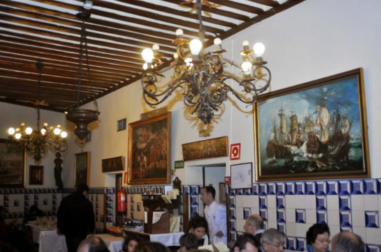 Restaurant Botin: Área interna do restaurante