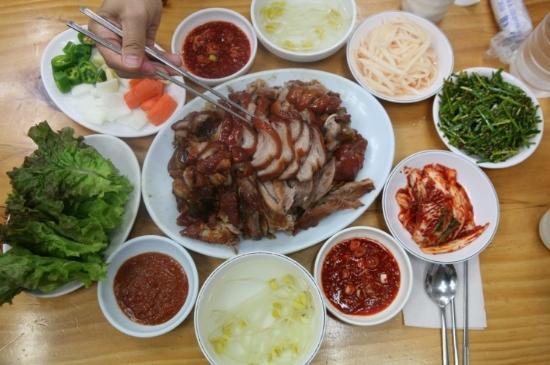 Seongsu Pig's Feet