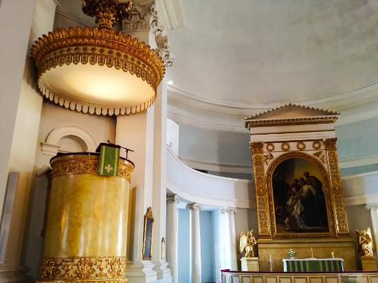 Catedral Luterana: Pulpit is for the preacher