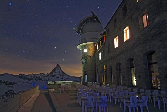3100 Kulmhotel Gornergrat: Kulmhotel bei Nacht