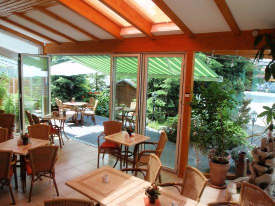 Elsterwerda, Alemanha: Wintergarten mit Freiterrasse