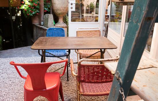Grottaferrata, Itália: Che spasso il giardino esterno