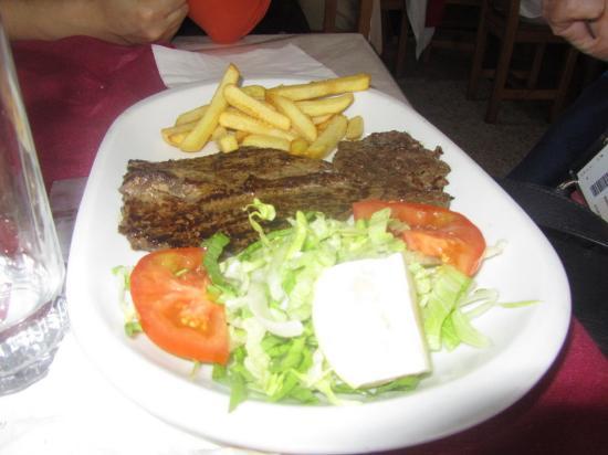 Valleseco, Spanyol: жареное мясо - оно и на Канарах жареное мясо