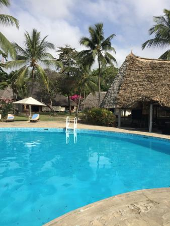 Sandies Tropical Village: Pool side from the sea