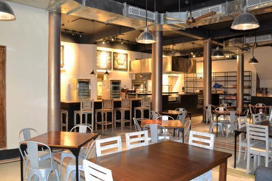 Cremeux Cafe & Bistro