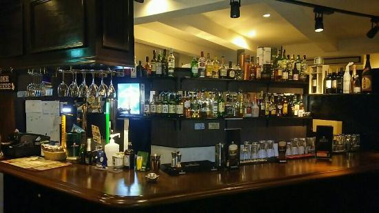 Irish Pub Wisteria