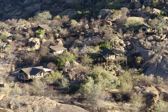 Erongo Wilderness Lodge: Blick auf die Zelte - Nr 10 rechts in der Mitte