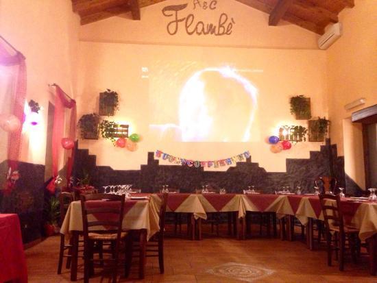 Николоси, Италия: La sala centrale