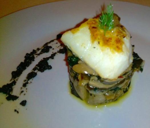 Baronissi, Italië: baccalà arrostito con funghi e paté di olive taggiasche