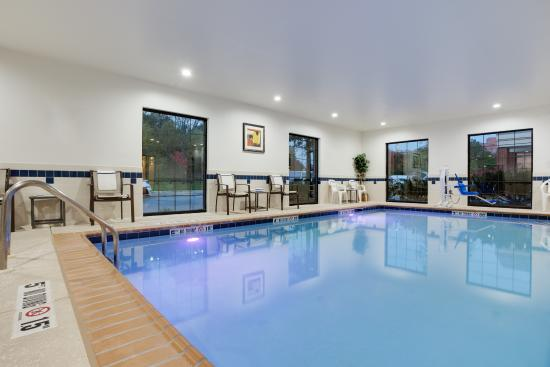Largo, MD: Swimming Pool