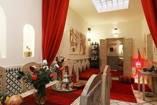 Riad dar Zaynab : Salle à manger et salon rdc