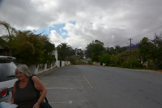 Lutzville, Sydafrika: The main road outside hotel