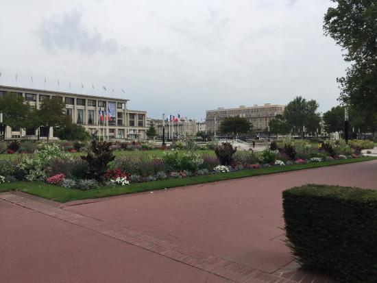 Vale conhecer picture of jardins de l 39 hotel de ville le for Jardin japonais le havre