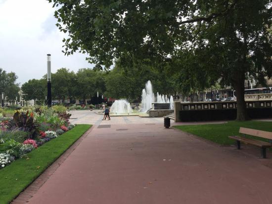 Vv7 photo de jardins de l 39 hotel de ville le havre for Entretien de jardin le havre