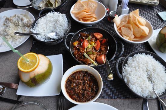 Shangri-La's Villingili Resort and Spa Maldives : in villa dining