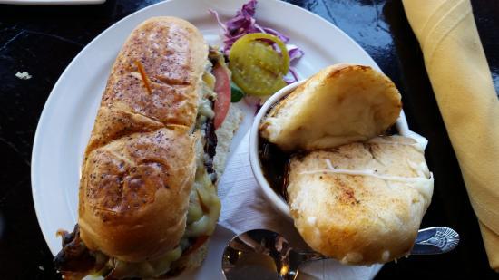 Paducah, Кентукки: Gouda BLT and onion soup