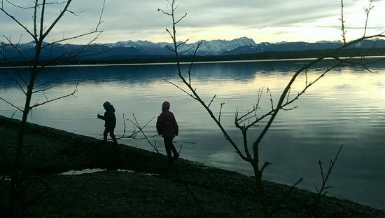 Muensing, Duitsland: lecker ruhig und irgenwie magisch. im winter