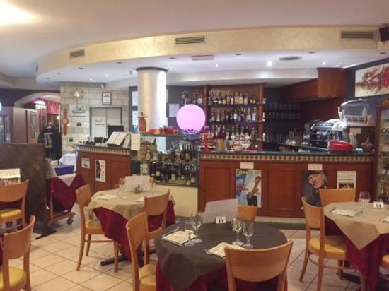 Borgo Maggiore, ซานมารีโน: Bar