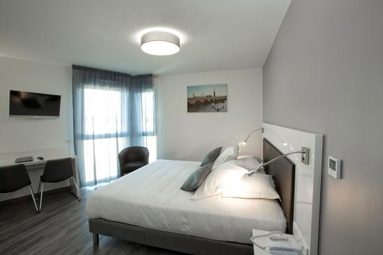 All suites appart hotel pessac voir les tarifs 138 avis for Appart hotel suite