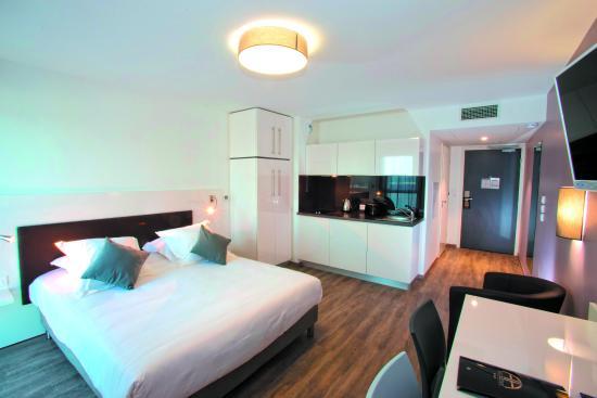 all suites appart hotel pessac hk 424 h k 4 8 7 updated 2018 prices reviews france. Black Bedroom Furniture Sets. Home Design Ideas