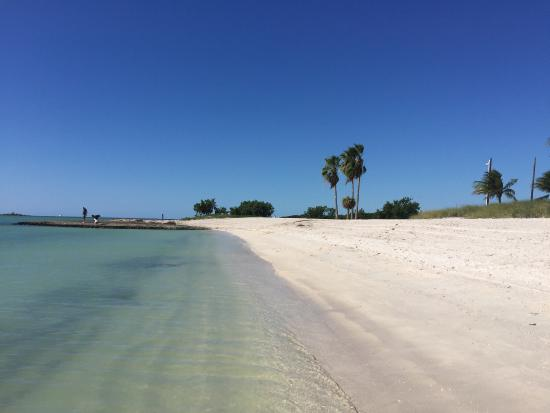 Sombrero Beach: photo2.jpg
