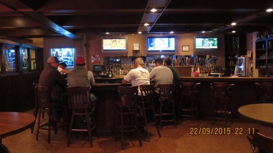 Meriden, CT: Оживленное место - бар