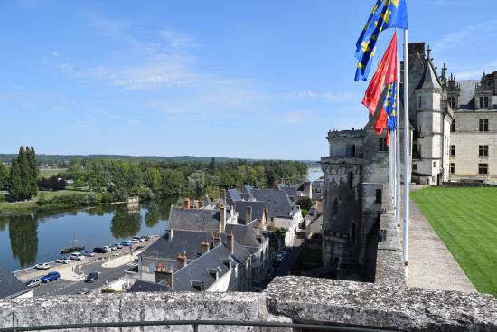 แอมบอยซี, ฝรั่งเศส: vista para o rio