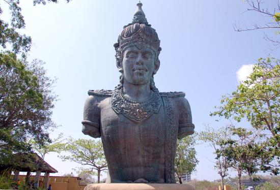 Garuda Wisnu Kencana Cultural Park: Vishnu Statue in the GWK grounds