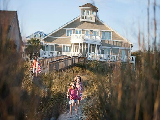North Myrtle Beach, SC: There are more than 15,000 spacious accommodations to choose from in the small town of North Myr