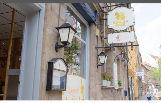 Fuerth, เยอรมนี: Das Restaurant von Aussen