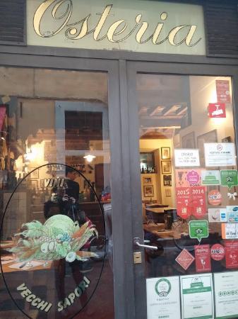 Vini e Vecchi Sapori: お店の入り口