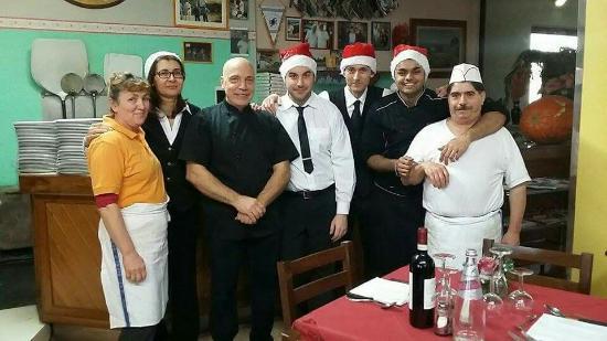 Фиглине-Вальдарно, Италия: Il team PONTEROSSO!