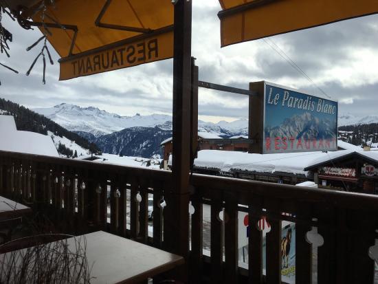 Les Saisies, Francia: La vue sur les pistes c'est super top ! Et en plus c'est super bon !