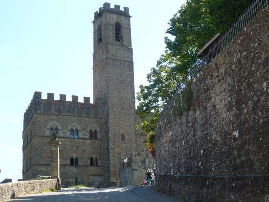 Arezzo, Italien: Guida Turistica Castello di Poppi