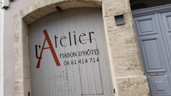 Poussan, France : Fassade