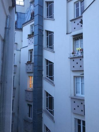 Hôtel des Académies et des Arts: View from 5th floor