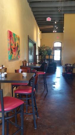 Abbeville, Luizjana: Dupuy's side bar area