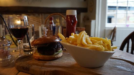 Buckhurst Hill, UK: Bacon, Cheese Burger
